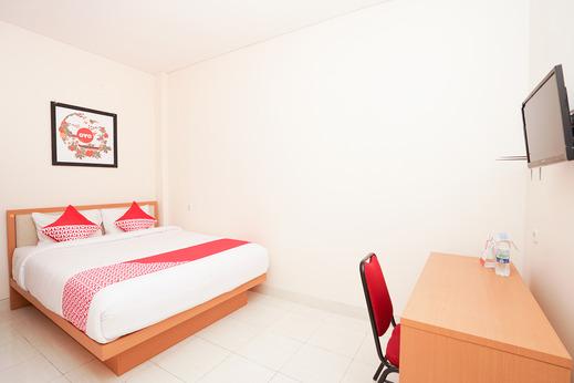 OYO 782 Semampir Residence At Citraland Surabaya - Bedroom