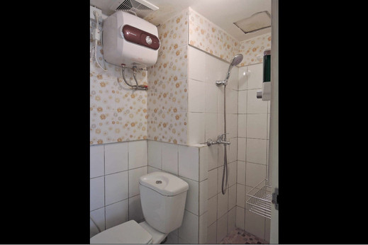 Apartment Jarrdin Cihampelas by R2 Residence Bandung - Bathroom