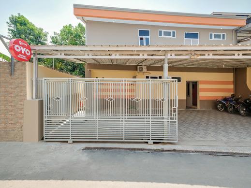 OYO 3972 Simega Residence Cirebon - Facade