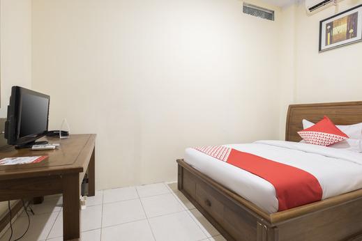 OYO 824 Makassar Guest House Makassar - Bedroom