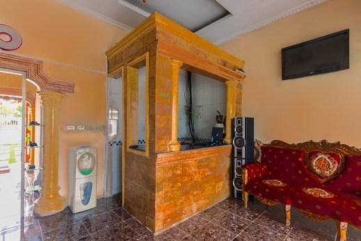 Hotel Harapan Isyes Parapat Danau Toba - Photo