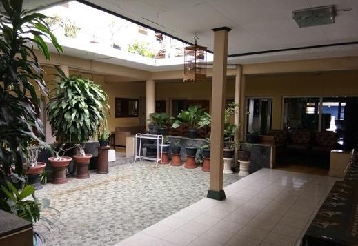 Prayogo Lama Guest House Yogyakarta - Interior