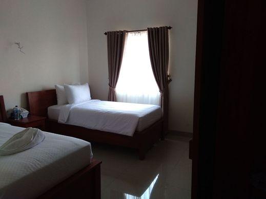 Hotel Kalton Manggarai Barat - Room