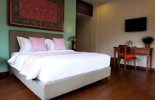 Kemboja Bed & Breakfast Cafe Malang - Kamar tidur