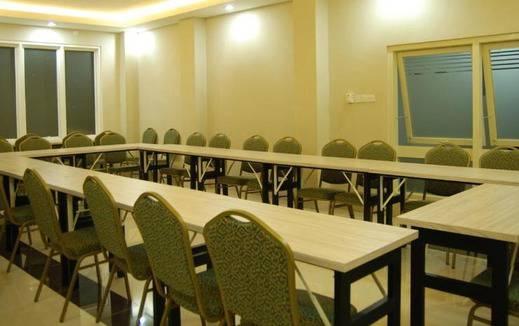 NIDA Rooms Alang Laweh 15 Padang - Ruang Rapat