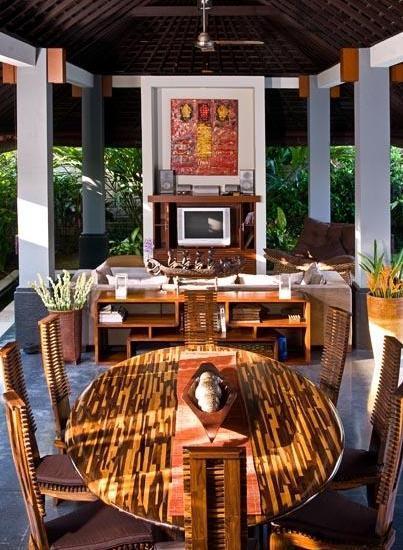 Scallywags Anyar Estate Bali - (19/Dec/2013)