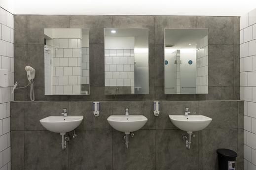 Bobobox Pods Kebayoran Baru Jakarta - Bathroom