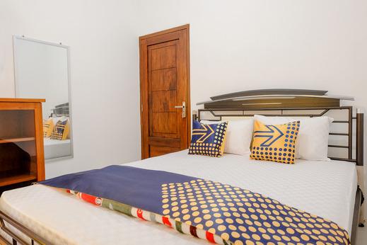 SPOT ON 2668 Pakis Residence Banyuwangi - Room