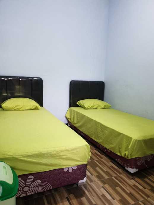 Flamboyan Inn Banyuwangi - Room