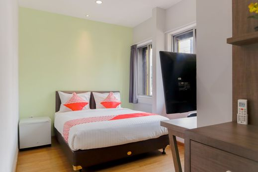 OYO 1199 Orienchi Room Near RSU Kecamatan Taman Sari Jakarta - Bedroom