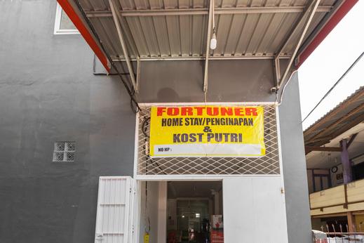 Fortuner Homestay Syariah Makassar - Photo