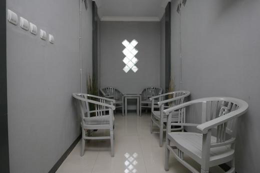 Airy Nagri Kaler Veteran Gang Seroja 235A Purwarkarta - Corridor