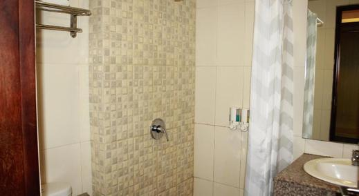 Hotel Kana Kaliurang Jogja - Bathroom