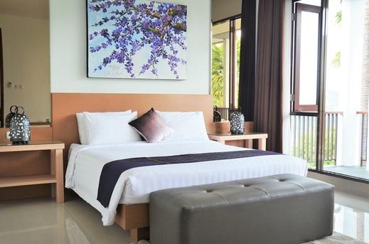 7 BR Mountain View Villa with a private pool 1 Bandung - Kamar tidur