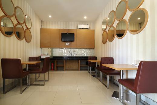 Airy Panakkukang Pengayoman 7 Makassar Makassar - Restaurant