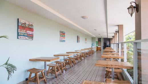ZenRooms Batu Pageh Legian Kuta - Restoran