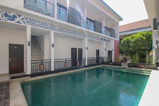 Airy Kuta Bhineka Jati Jaya Sembilan 12 Bali Bali - Pool