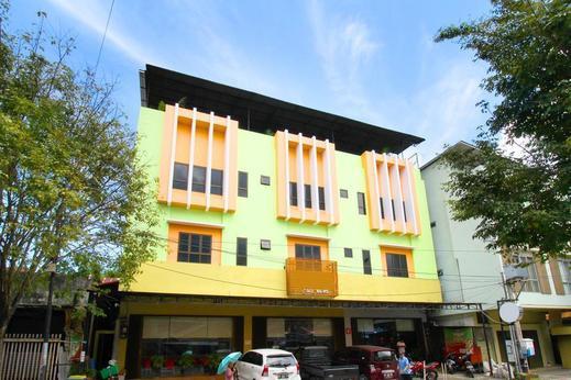 Airy Wenang WR Supratman 6 Manado - Hotel Building