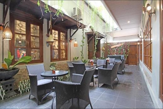 The Garden Suites Hotel Solo - Interior