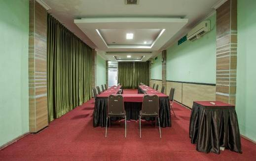 Hemra Hotel Balikpapan - Meeting Room