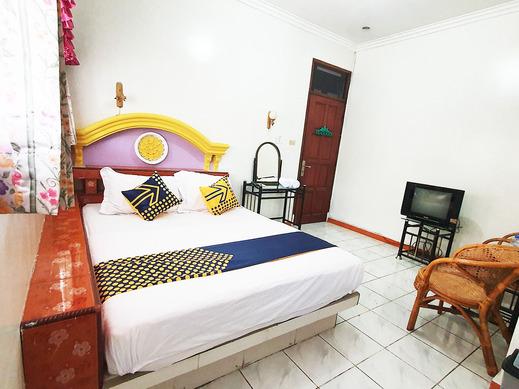 SPOT ON 1896 Hotel Mahkota Pantai Sukabumi - BEDROOM ST D