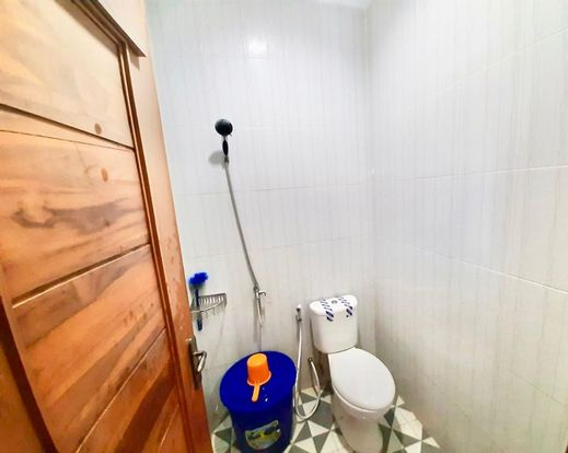 Modern House YIA Jogja - Bathroom