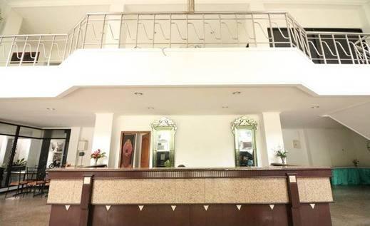 NIDA Rooms Solo Laweyan Sari Solo - Resepsionis