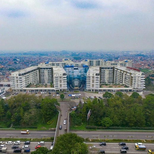 Gateway Pasteur Apartement By Kevin Bandung - Tower