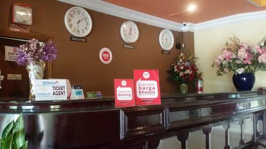 NIDA Rooms Pangkal Pinang Soekarno Hatta Bangka - Resepsionis