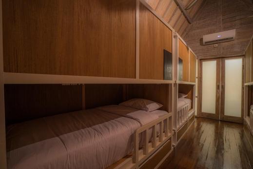 Kamaran Hostel Bali - Bedroom