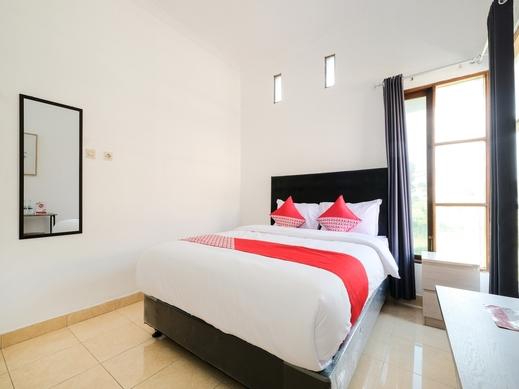 OYO 2118 Fh Stay Yogyakarta - Bedroom