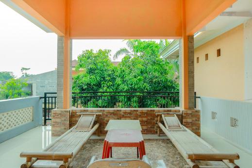 OYO 1797 Narita Family Residence Syariah Jember - Common Area