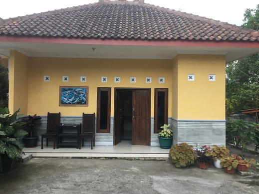 Penginapan Mentorogo Yogyakarta - Exterior