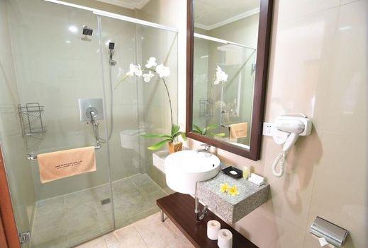 Kuta Townhouse Apartments Bali - Bathroom
