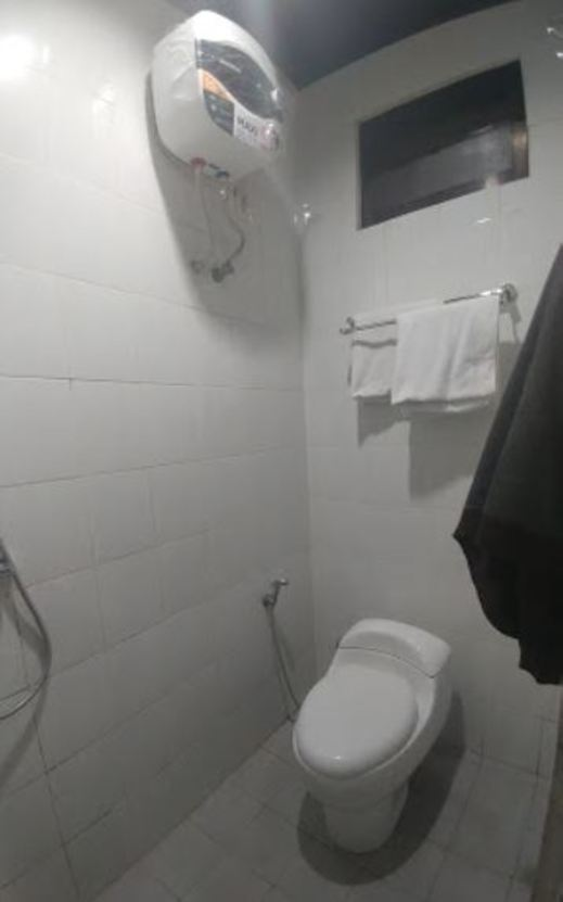 I Cloud Residence Surabaya - kamar mandi