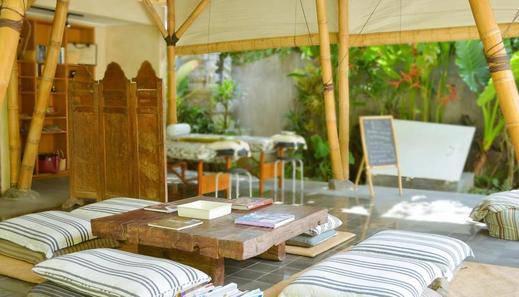 The Open House Bali Bali - Perpustakaan