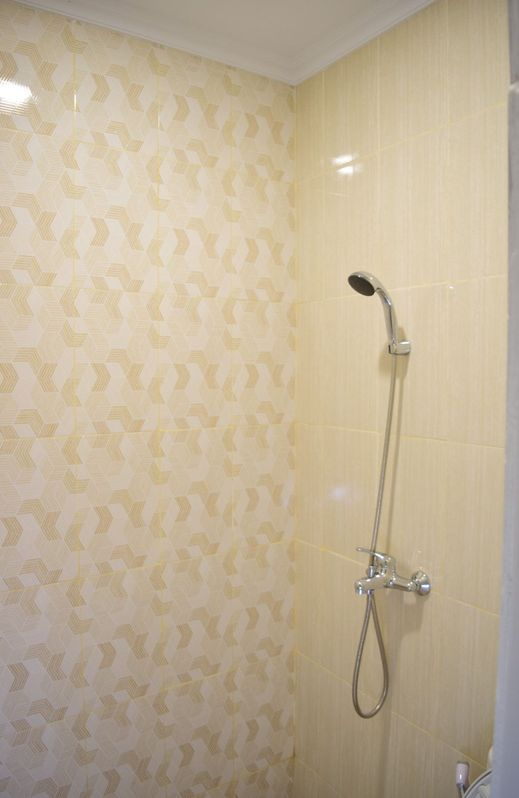 The Cabin Purwokinanti Hotel Yogyakarta - Bathroom