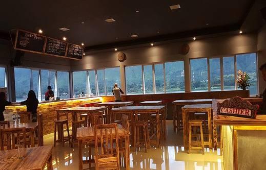 Dginn Cafe & Bar Danau Toba - Cafe