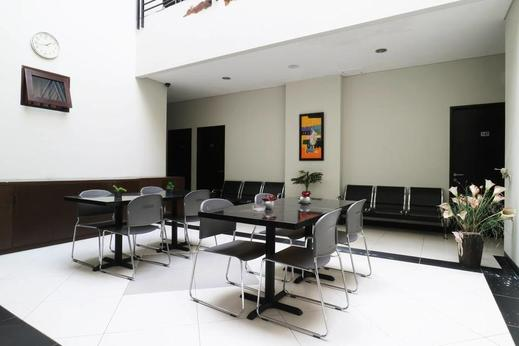 Sky City Home Guest House Bandung - 13