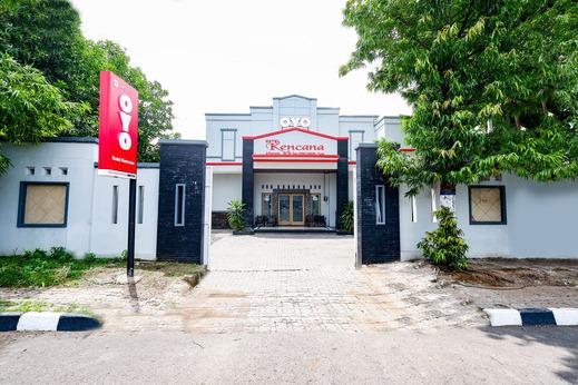 OYO 2436 Hotel Kencana Tegal - Facade