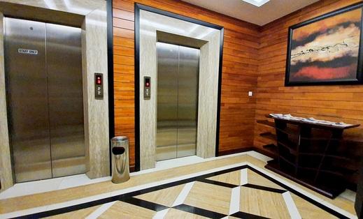 MP Hotel Kelapa Gading Jakarta - lift