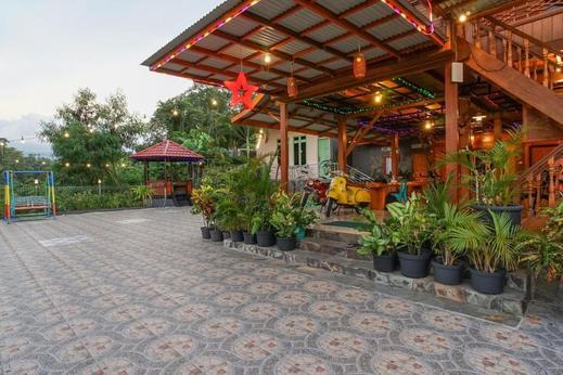 Villa Robert Manado - Exterior