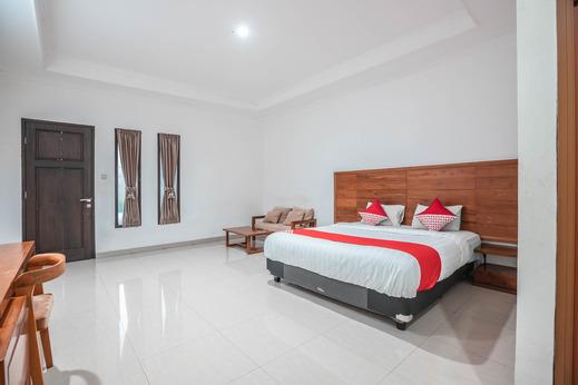 OYO 686 Bunga Karang Hotel Bekasi - Guest Room