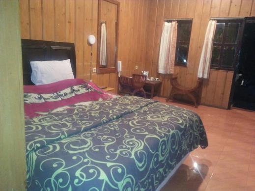 Cemara Indah Hotel Probolinggo - Room