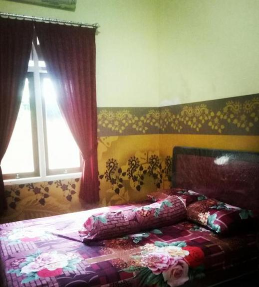 Nakula's Homestay Banyuwangi - Bedroom