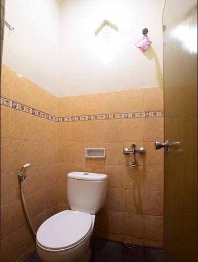 Hotel Srikandi Baru Yogyakarta - Bathroom