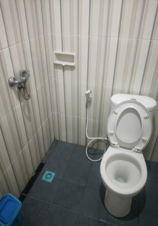 Hotel Srikandi Gejayan Yogyakarta - Bathroom