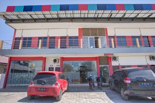 OYO 2965 Silvia Homestay Kupang - Facade