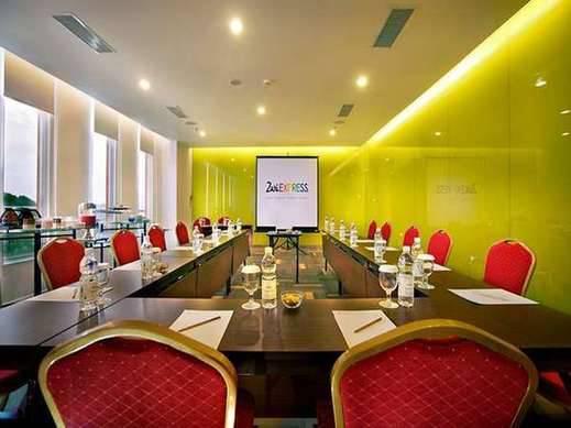 Zuri Express Lippo Cikarang Bekasi - Ruang Rapat