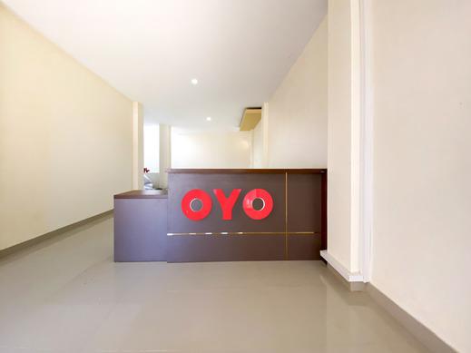 OYO 3092 Falah Residence Syariah Padang - Reception
